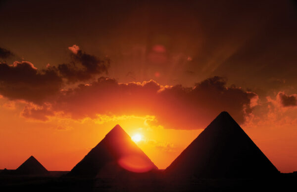 Pyramids-Cairo-Giza-plateau[1]